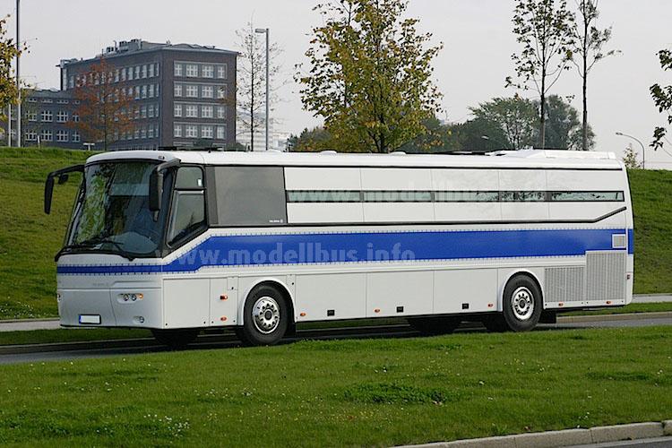 Die Gebr. Ludewig aus Essen hatten den VDL Futura Classic als Gefangenentransporter in verschiedenen Längen im Angebot gehabt, heute ist er mangels Euro VI-Antrieb nicht mehr im Programm.