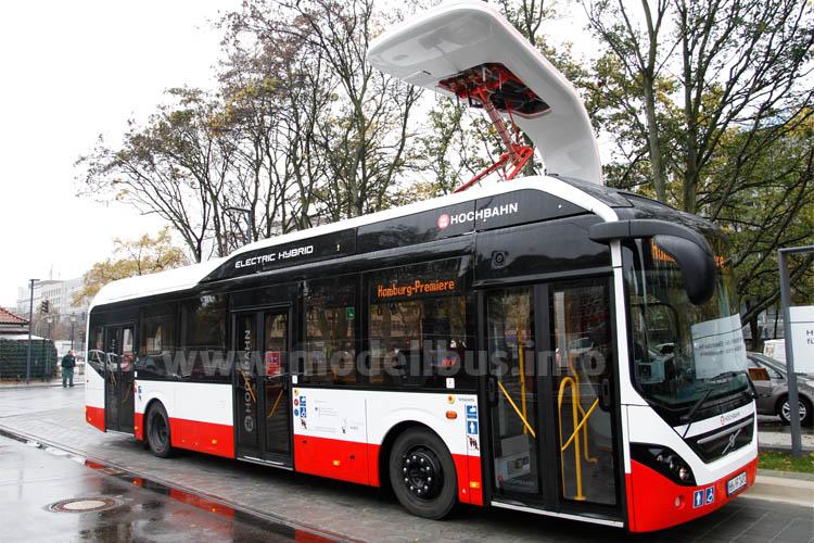 Die Volvo Bus Corporation und Siemens haben im Jahr 2014 erstmals gemeinsam ein elektrisches ÖPNV-Bussystem in der Stadt Hamburg installiert. An die Hamburger Hochbahn AG sind von der Volvo Bus Corporation drei Elektro-Hybridbusse mit Plug-in- Technologie des Typs Volvo 7900 Electric Hybrid geliefert worden, die von einem Siemens-Ladesystem an den Endhaltestellen über vier Ladestationen mit Strom versorgt werden.