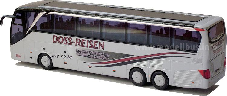 Im Maßstab 1/87 hat Daniel Ossweiler nicht nur für sein fiktives Unternehmen DOSS-Reisen,...