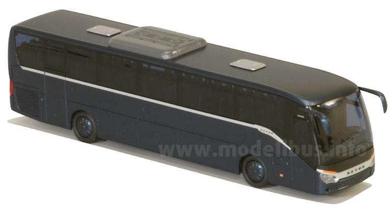 Das Angebot von AWM an Setra-Modellbussen wird um den Mitteldecker erweitert.