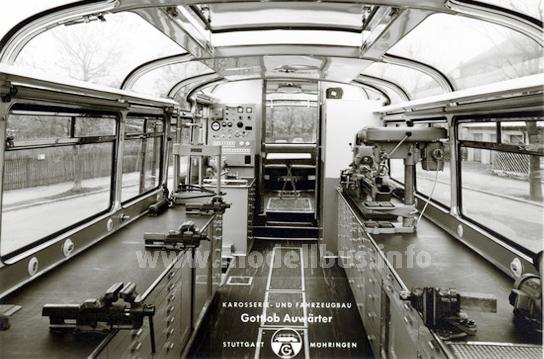 Im vorderen Bereich des Neoplan-Renndienstwagens war die Werkstatt untergebracht.