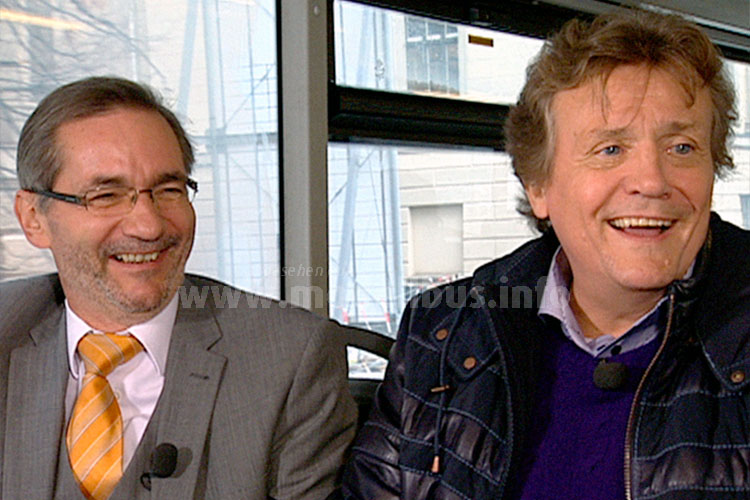 Politer Matthias Platzeck und Opernsänger Jochen Kowalski kamen für ein kurzweiliges Gespräch im Dezember 2015 in den 100er. Foto: RBB