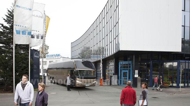 Neu am Standort Plaunen: Ein Bus Modification Center für die Marken MAN und Neoplan.