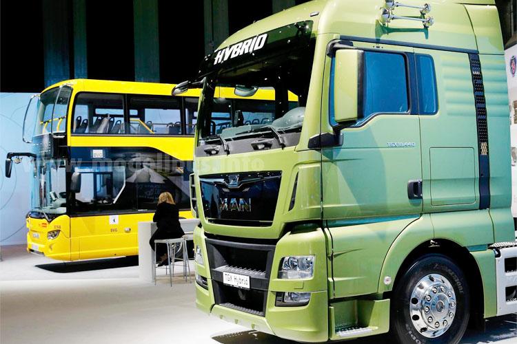 Scania und MAN werden unter der Truck & Bus GmbH in einer neuen Holding zusammengeführt.
