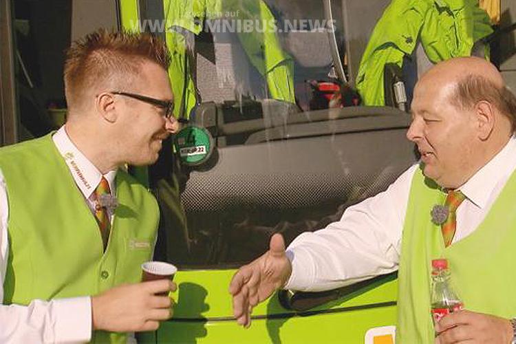 André Schwämmlein undercover als Praktikant bei MeinFernBus Flixbus - Foto: RTL.