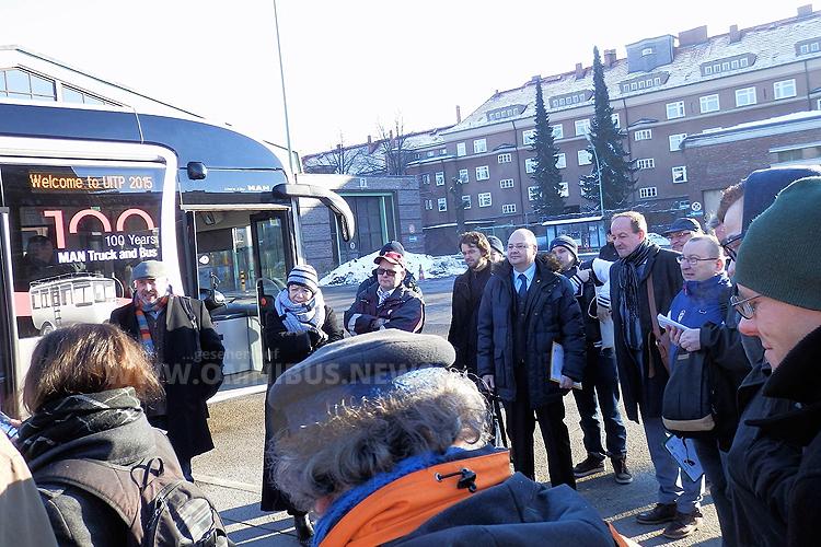 BVG-Fahrer bei der Vorstellung des neuen Schlenki. Foto: Franziska Richter.