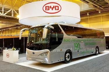 Weltpremiere: Erste Elektro-Reisebus