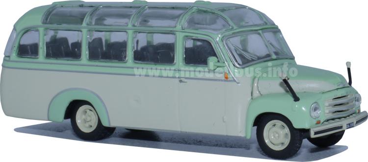 Opel Blitz mit Kässbohrer-Aufbau im Maßstab 1/72 von IXO.