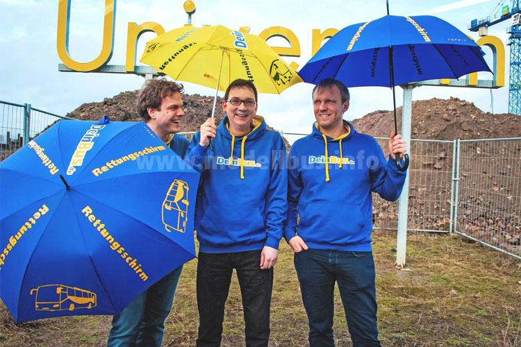 Tillmann Raith spannt den Rettenschirm über DeinBus.de und ist neuer Eigentümer. Die DeinBus.de-Gründer Alexander Kuhr und Christian Janisch werden von Raith bei der Geschäftsführung zukünftig unterstützt.