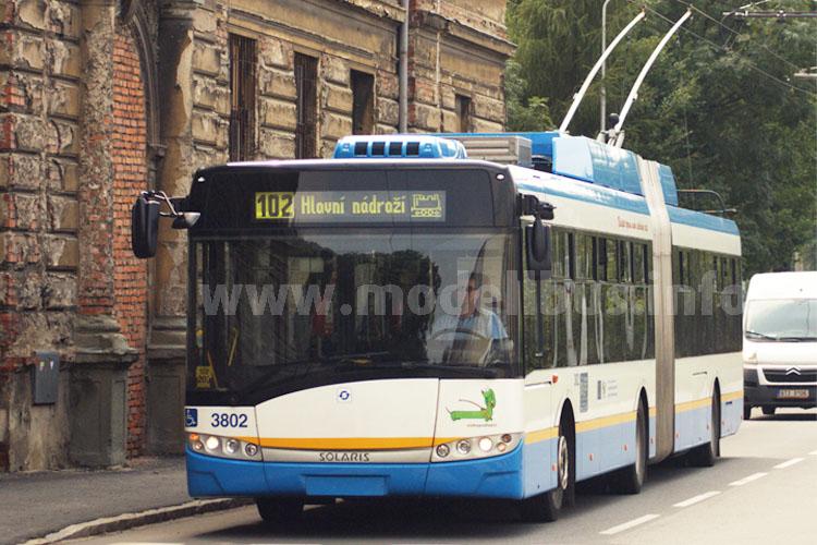 Solaris Trollino 18 des öffentlichen Verkehrsbetriebes aus Ostrava.