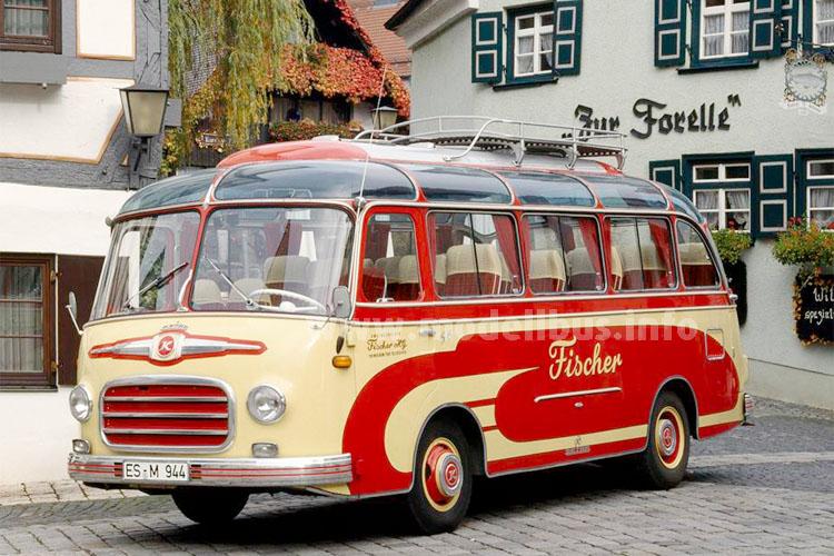 Der S 6 von Fischer Omnibusreisen im Ulmer Fischerviertel.