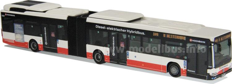 Auf der Hamburger Innovationslinie auf einem Teil der Strecke rein elektrisch im Einsatz: Der Mercedes-Benz Citaro G BlueTec Hybrid.
