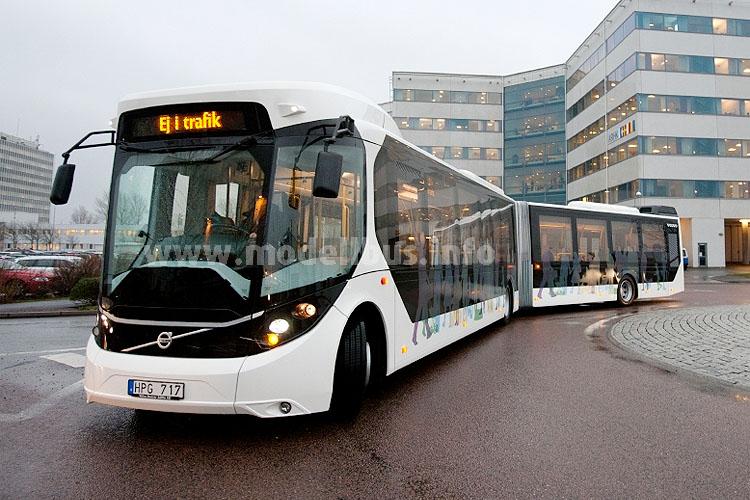 Auch beim Volvo European Bus of the Future und dem Environmental Concept Bus saß der Fahrer in der Mitte...