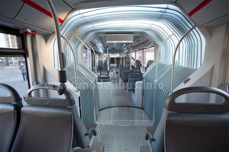 Lichtdurchlässiger Faltenbalg im Testbus. Foto: BVG/Carstensen.