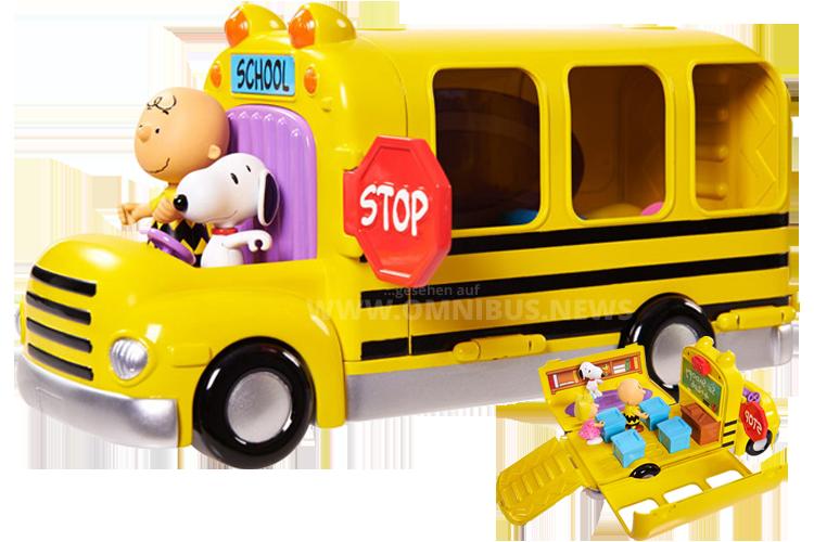 Charlie Brown fährt natürlich stilecht einen gelben Schulbus.