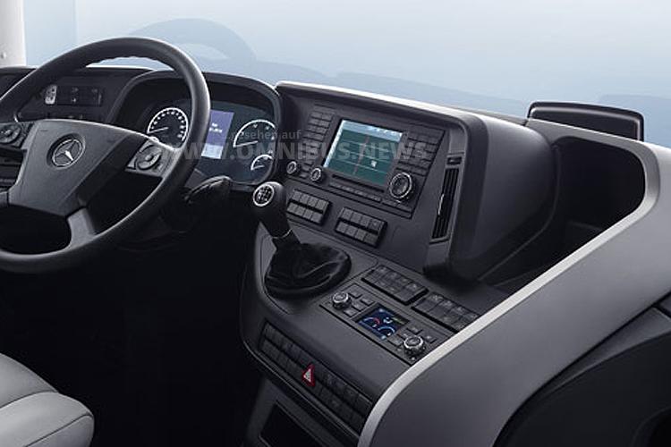 Neu ist auch das Cockpit des Travego 2016.