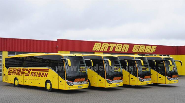 Premiere bei der Anton Graf GmbH: Graf´s Reisen setzt jetzt zum ersten Mal auf Omnibusse aus Ulm. Zum Start kommt die neue Setra ComfortClass in den Fuhrpark.