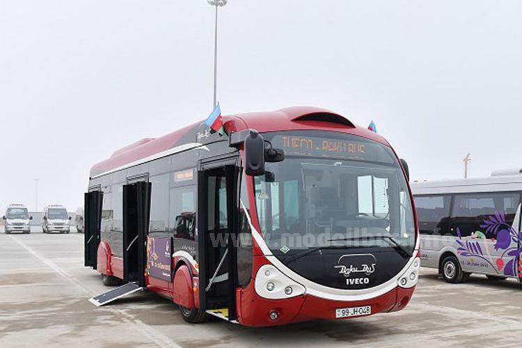 Die ersten 150 Iveco Crealis Neo mit Erdgasantrieb sind in Baku angekommen.