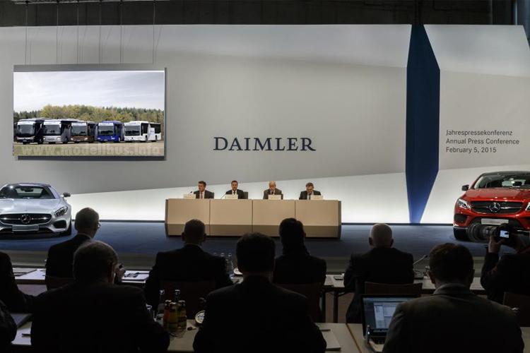 Foto zeigt die Jahrespressekonferenz am 5. Februar 2015.