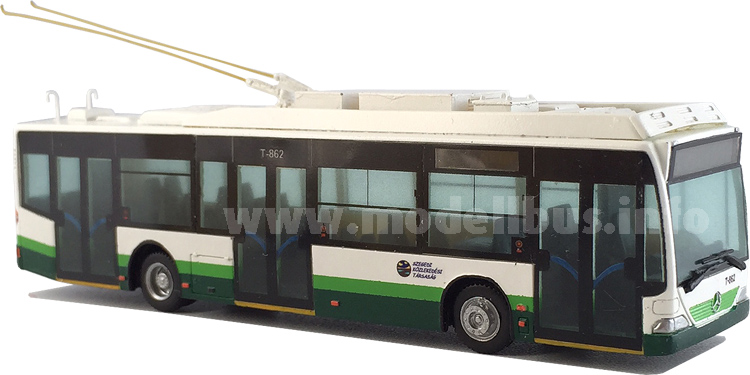 Wumm hat den ungarischen Trolleybus auf MB-Basis im Maßstab 1/87 nachgebildet.