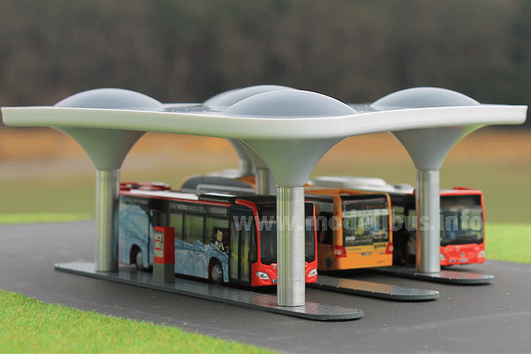 Rietze liefert Busbahnhof aus