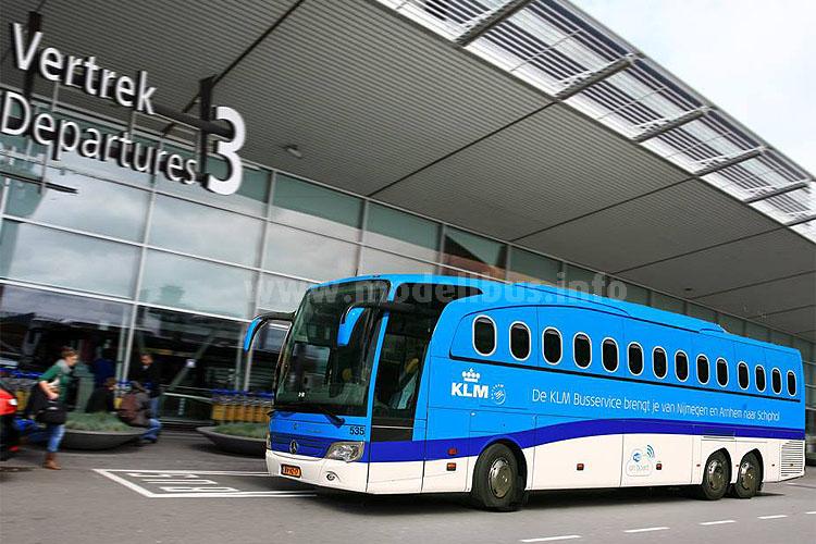 Der Air-Bus von KLM am Flughafen in Schiphol.