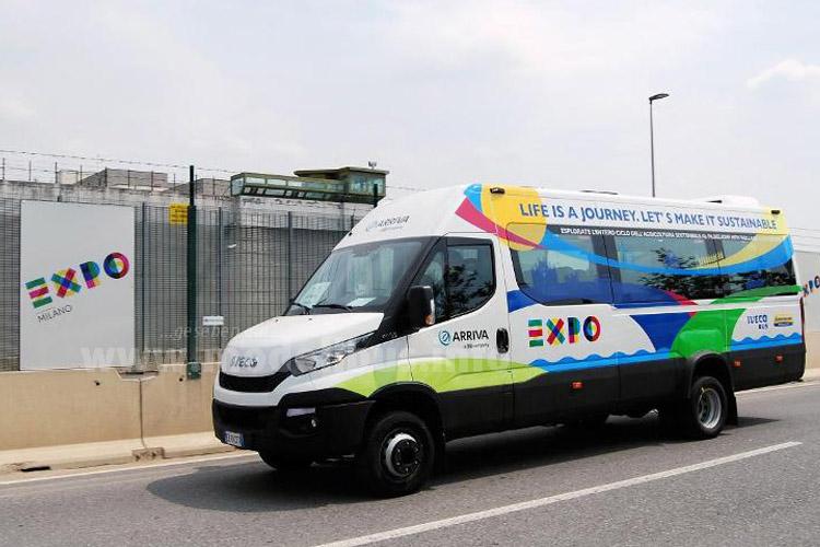 Zusätzlich fahren in Mailand auch noch zwei Iveco Bus Daily Minibusse auf der EXPO 2015.
