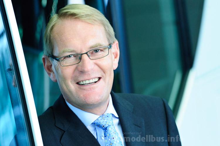 Freut sich über den Fernbus-Boom: Hartmut Schick, Leiter Daimler Buses.