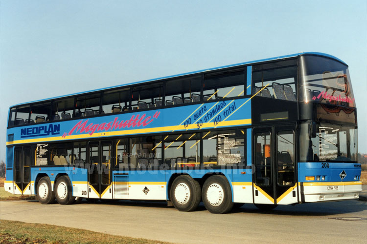 1993 wurde der Neoplan Megashuttle N 4032/4 in Chemnitz in Dienst gestellt.