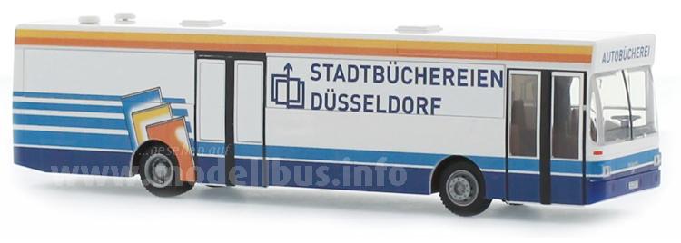 Heute auch mit sozialem Auftrag unterwegs: Die Autobücherei in Düsseldorf.