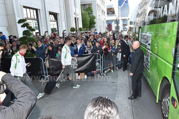 Der Pokalsieger reiste mit dem Mannschaftsbus an, mit einem Sonderzug ging es dann zurück in die Heimat.