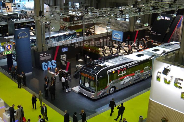 Konzept-Bus für hohes Fahrgastaufkommen