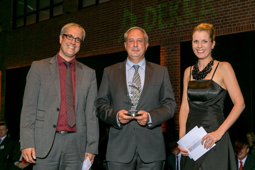 lastauto omnibus-Chefredakteur Thomas Rosenberger (li.) mit Rudi Vanhentenrijk, Van Hool