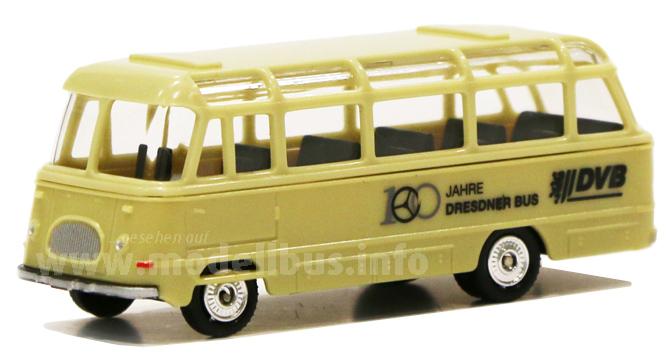 Zum Jubiläum einen Modellbus: Der Robur Garant LO 2500 der DVB.