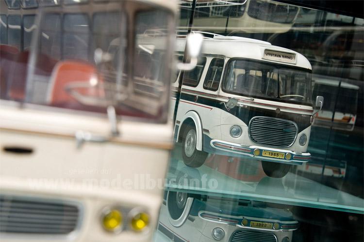 Modellbusse der in Vysoke Myto gebauten Omnibusse zieren das hauseigene Museum mit der Geschichte des Standortes in Tschechien.