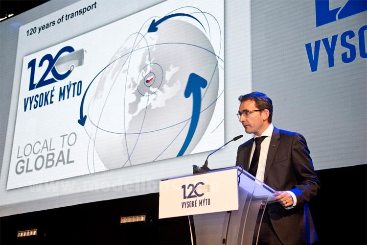 Der Iveco-Präsident Pierre Lahutte kam zur 120-Jahr-Feier ins Werk nach Tschechien...