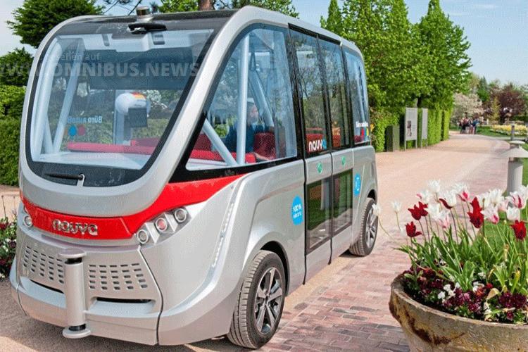 Auf Testfahrt im Park der Gärten: Der autonome Elektro-Kleinbus von Navya. Foto: Schreiber