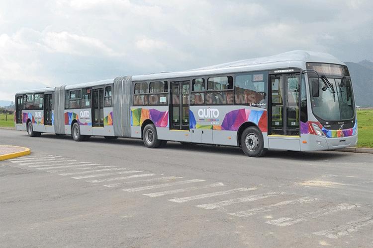 Volvo Doppelgelenkbus für Quito