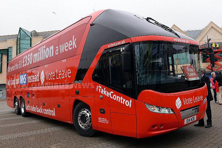 Boris Johnson war im roten Neoplan Starliner unterwegs, um für den Austritt aus der EU zu werben. Foto: Boris Johnson