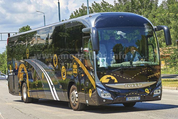 Iveco Bus gewinnt mit dem Magelys den Titel Coach oof the Year 2016.