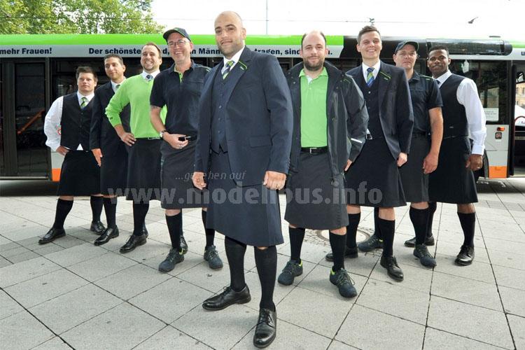...das rockt - Busfahrer der üstra aus Hannover mit Rock!