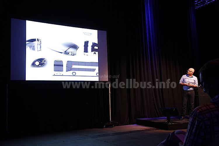 Der Designer Rik de Reuver erklärte das Exterieur-Design, ...