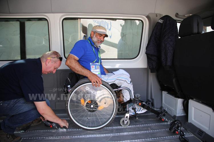 ...Sicherungsschienen kamen die Sportler sicher zu den Wettkampfstätten  der World Archery Para Championships.