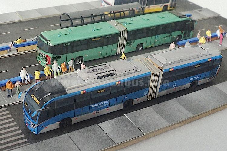 BRT-Modellbusse unterschiedlichster Vorbilder...