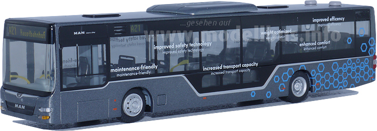 Die neue Busmaske und der großzügig verglaste Stehperron sind auch im Modell umgesetzt.