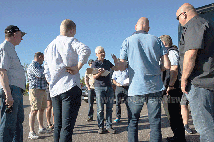 Wolfgang Tschakert (Mitte) ist der Kopf hinter dem IBC. Foto: Tschakert / IBC