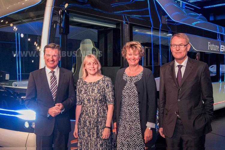Dr. Wolfgang Bernhard, Marjolijn Sonnema, Elisabeth Post und Hartmut Schick. Foto: Schreiber