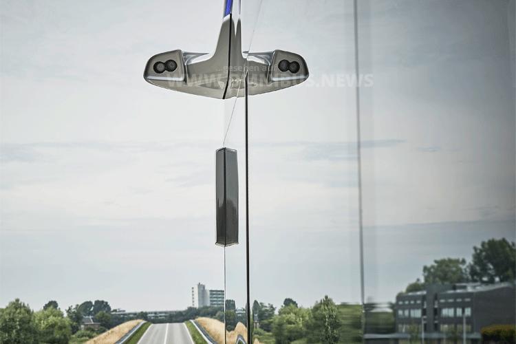 """das kamerabasierte """"Mirror View""""-System, das die konventionellen Rückspiegel ersetzt und 2018 in Europa in Serie gehen dürfte, Foto: Daimler"""