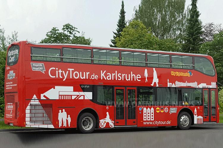 Mit einem roten Doppeldecker durch Karlsruhe. Foto: KTG
