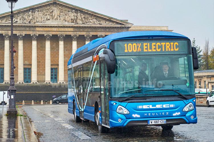 Stromert durch Paris: Der erste Elektrobus von Heuliez Bus.